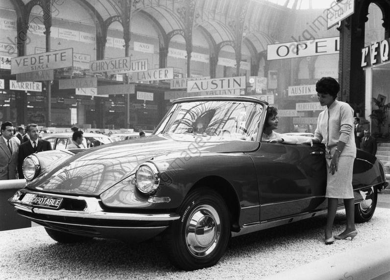 1960 DS cabriolet credit Paul Almasy