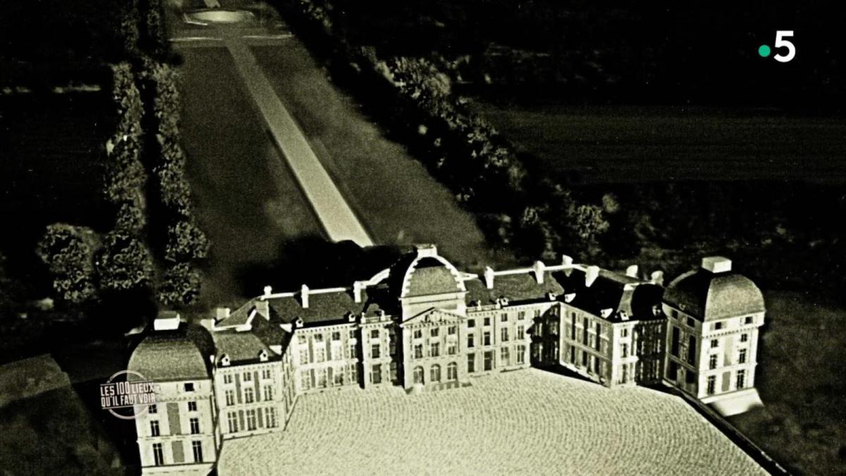 Château de La Ferté-Vidame avant l'incendie