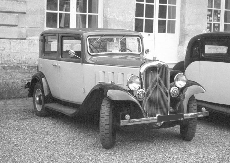 1934 Rosalie 8 berline 4 places