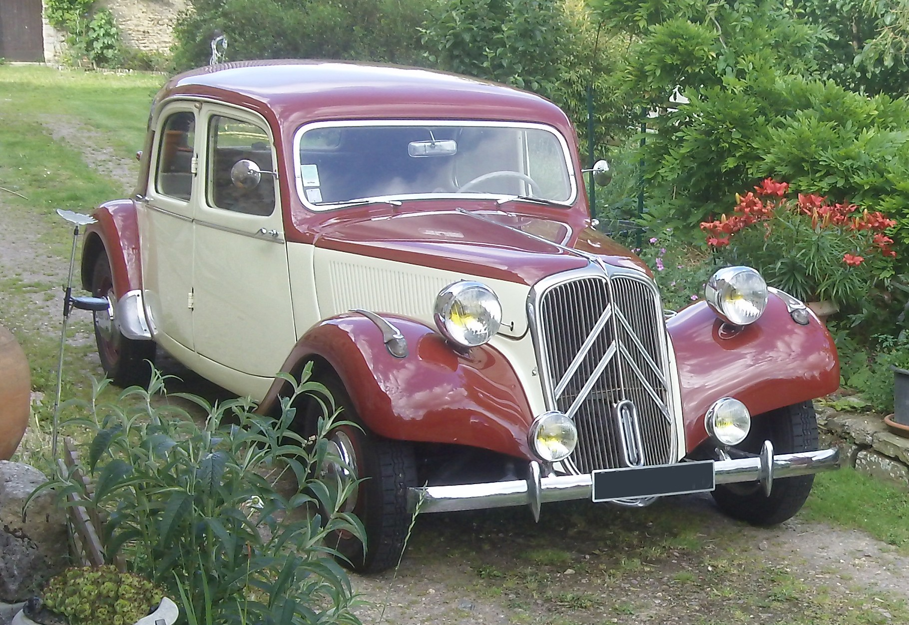 1957 TRACTION 11B