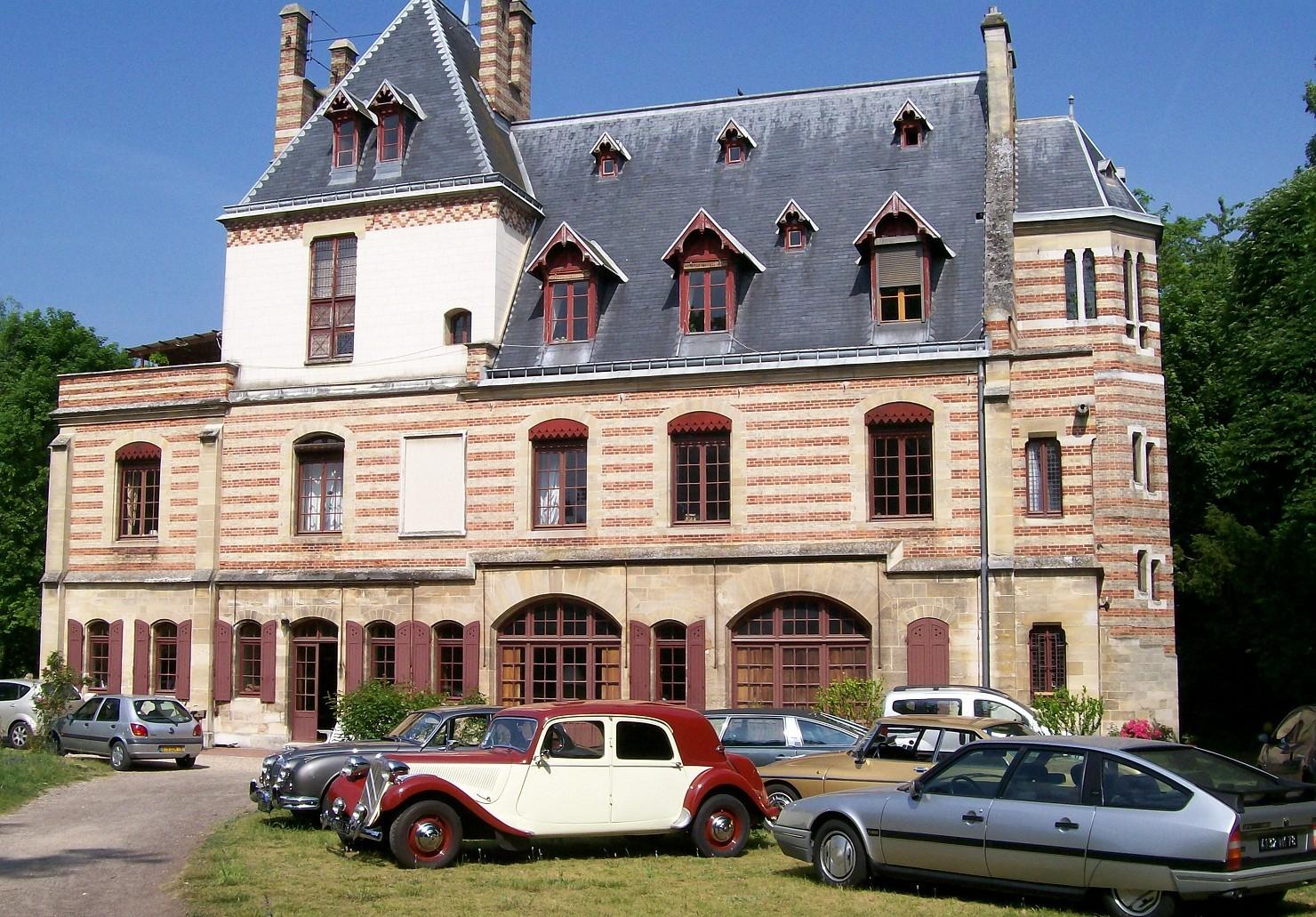 2010 Sortie à Poissy au Manoir Meissonier