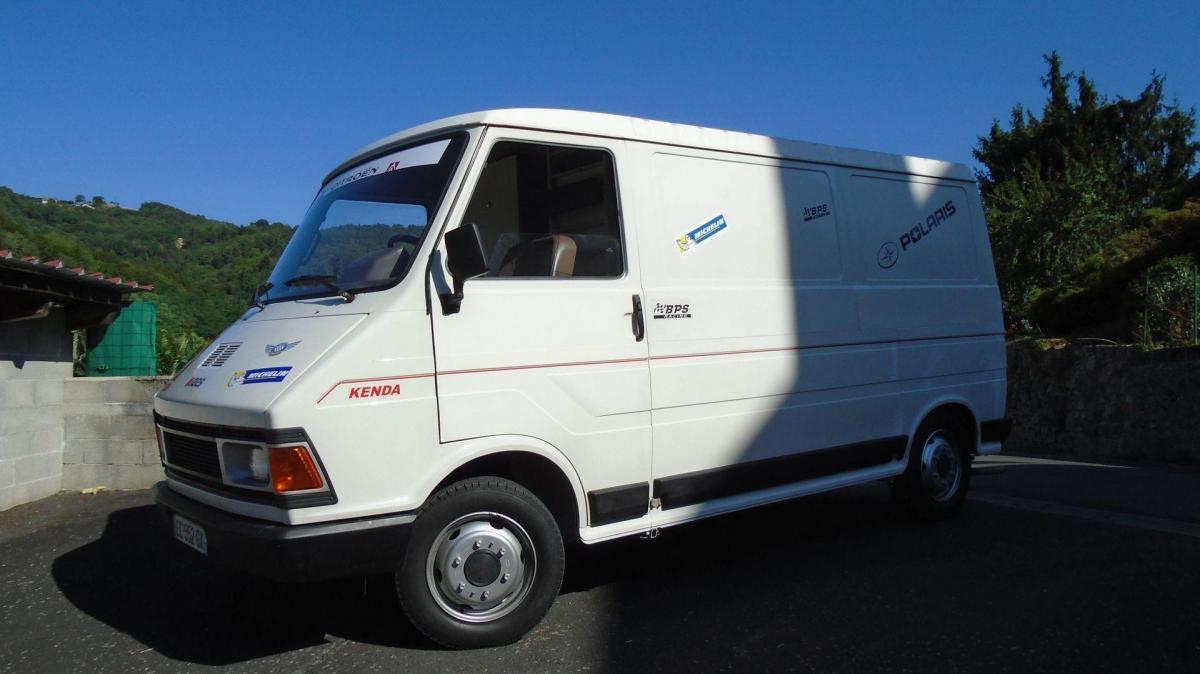 1989 C35