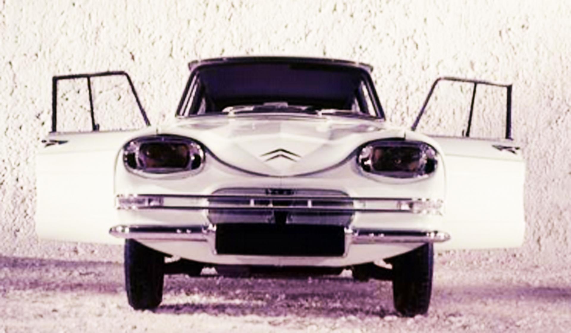 Citroën AMI 6 Face avant de pré série 1961