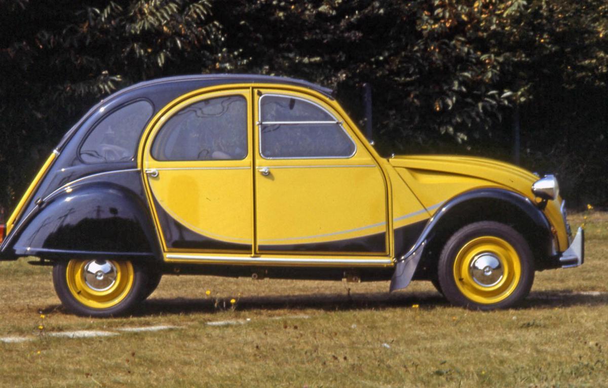 Citroën 2CV Charleston copyright guyot et vivier